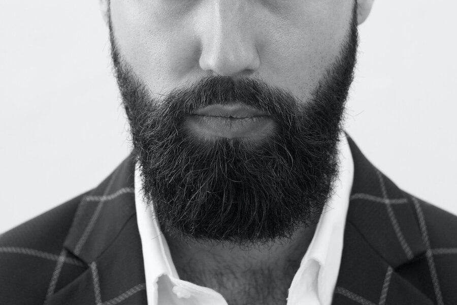 skäggtransplantation-fylligt-skägg